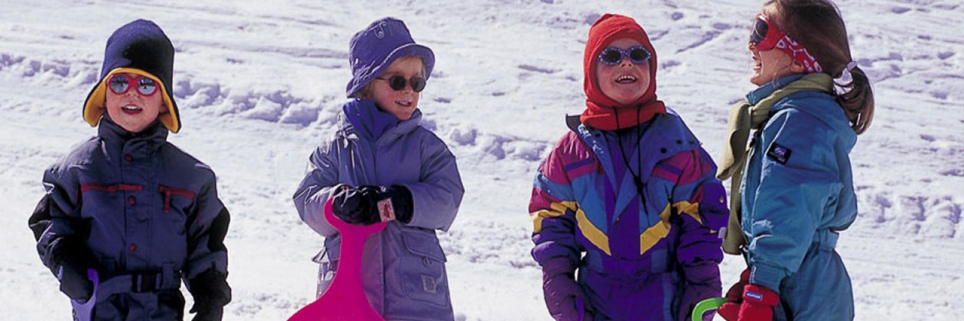 Neige : classe traîneaux à chiens, raquettes à neige - Village de Vacances de Marc