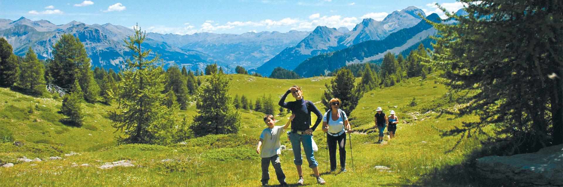Village_club_vacances_alpes-de-haute-provence_domaine-de-l-Adoux_rando