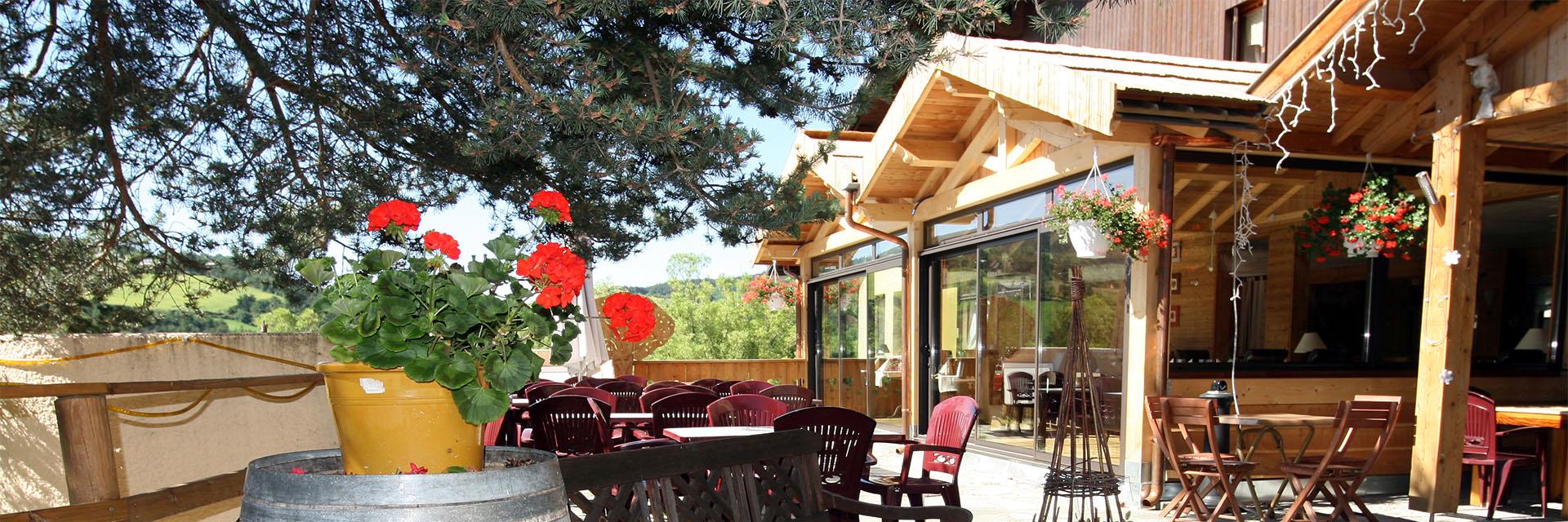 Village_club_vacances_alpes-de-haute-provence_domaine-de-l-Adoux_terrasse