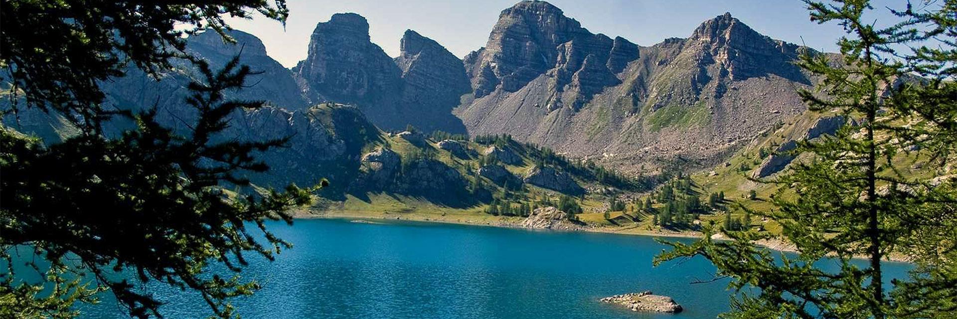 Village_club_vacances_alpes-de-haute-provence_semeuse_lac-d-allos-dans-la-parc-naturel-du-mercantour