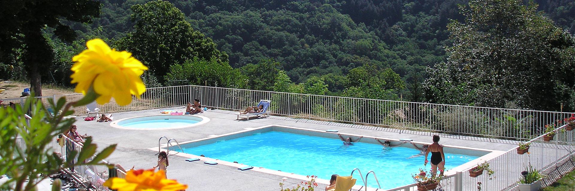 Village_club_vacances_alpes-de-haute-provence_semeuse_piscine