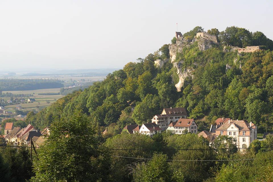 Village_club_vacances_alsace-relais-saint-bernard-vue-montagne