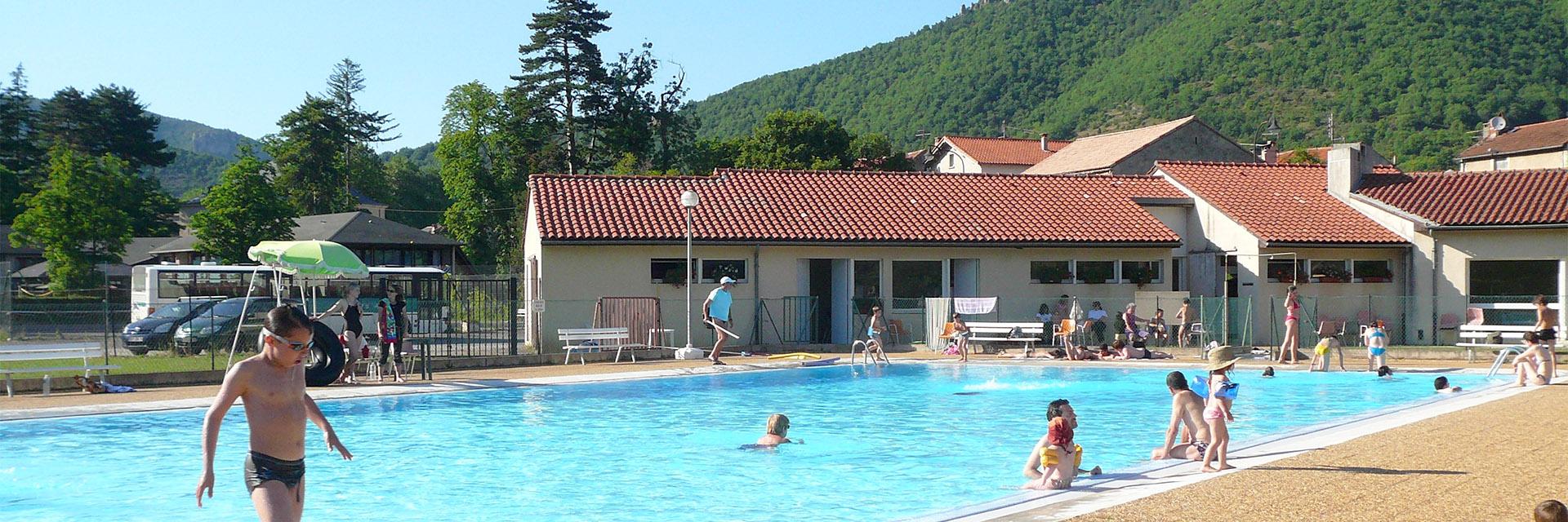 Village_club_vacances_aveyron-cantal-et-ardèche-domaine-de-roc-nantais-piscine