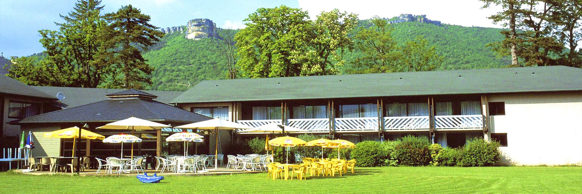Village_club_vacances_aveyron-cantal-et-ardèche-domaine-de-roc-nantais-villege