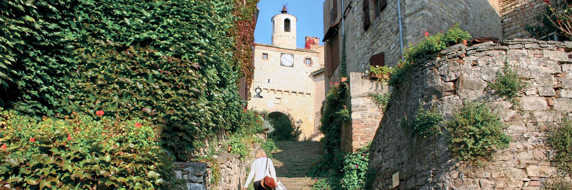 Village_club_vacances_aveyron-cantal-et-ardèche-maison-des-cent-vallées-chateau-de-najac