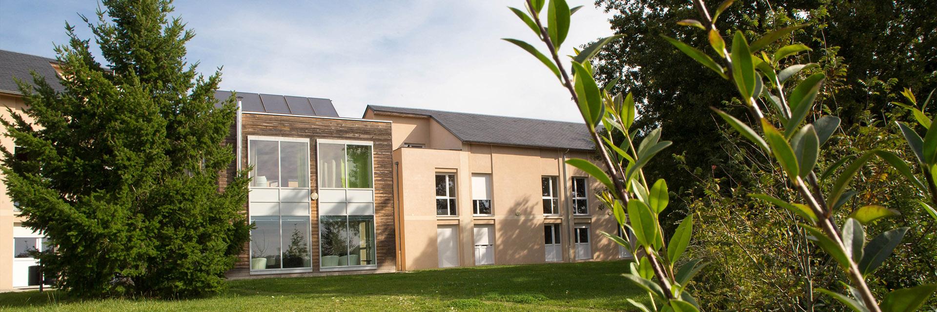Village_club_vacances_aveyron-cantal-et-ardèche-maison-des-cent-vallées-exterier