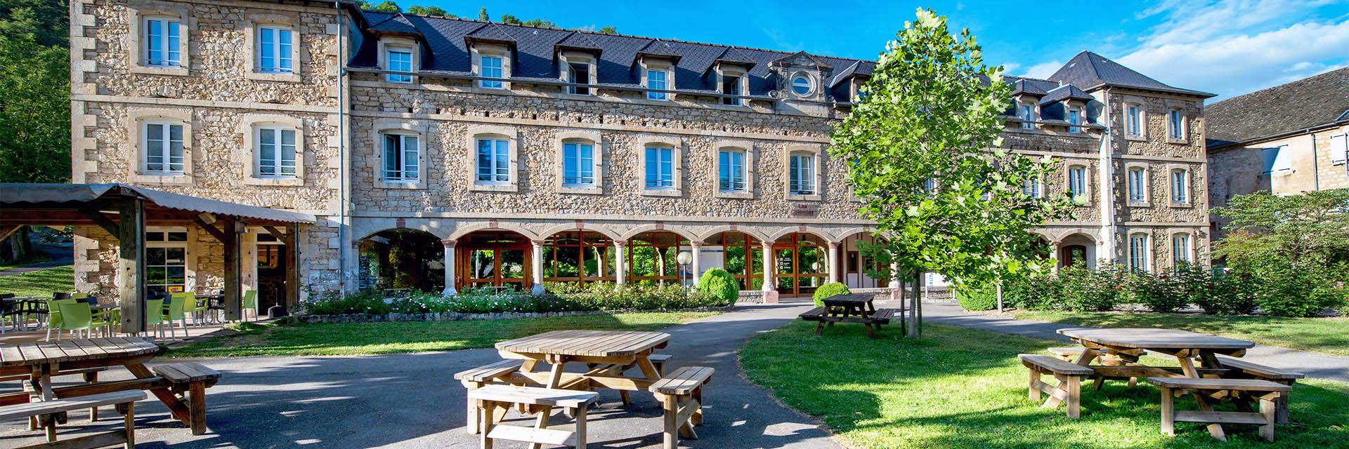 Village_club_vacances_aveyron-cantal-et-ardèche-oustal-eterier-village