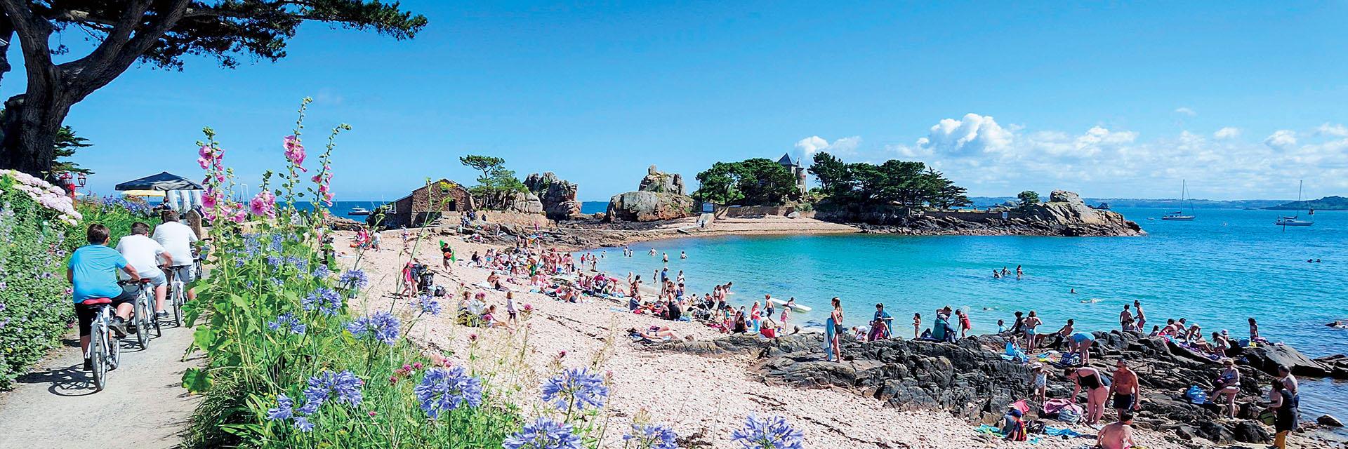 Village_club_vacances_bretagne-nord-roz-armor-plage