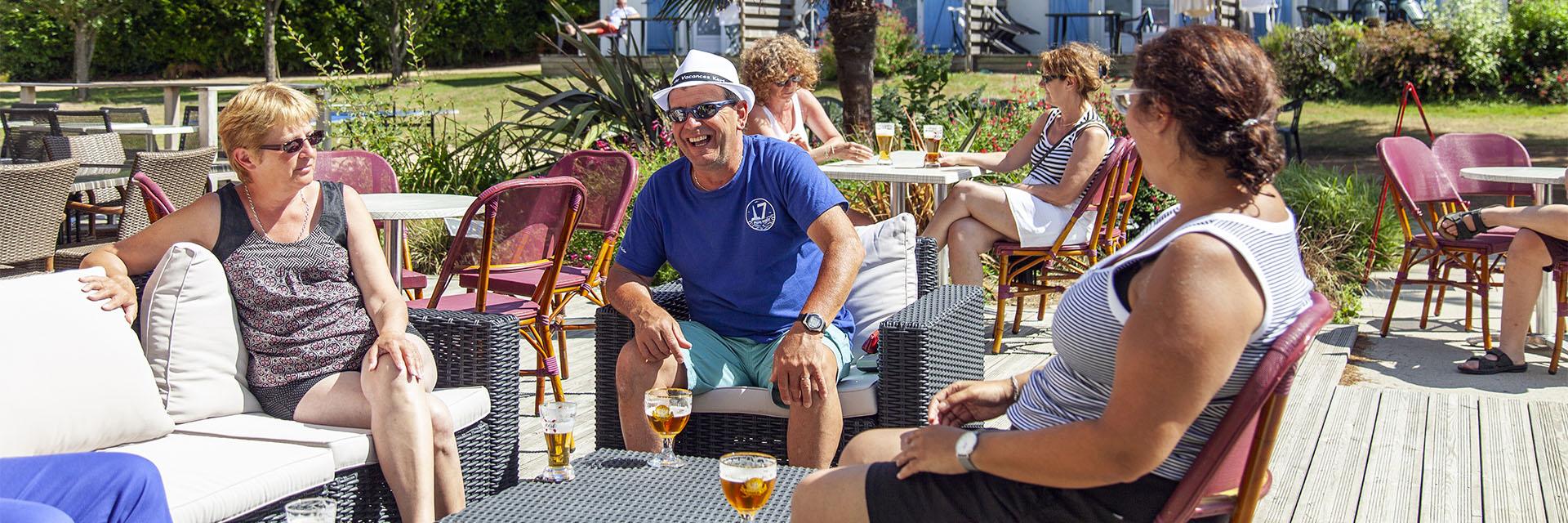 Village_club_vacances_bretagne-sud-kerfetan-terrasse
