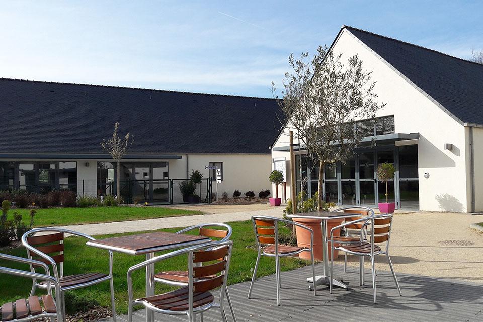Village_club_vacances_bretagne-sud-la-pierre-bleue-restaurant-terrasse