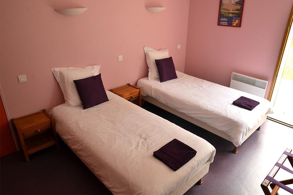 Village_club_vacances_centre-loire-et-bourgogne-la-ferme-de-courcimont-chambre-hebergement