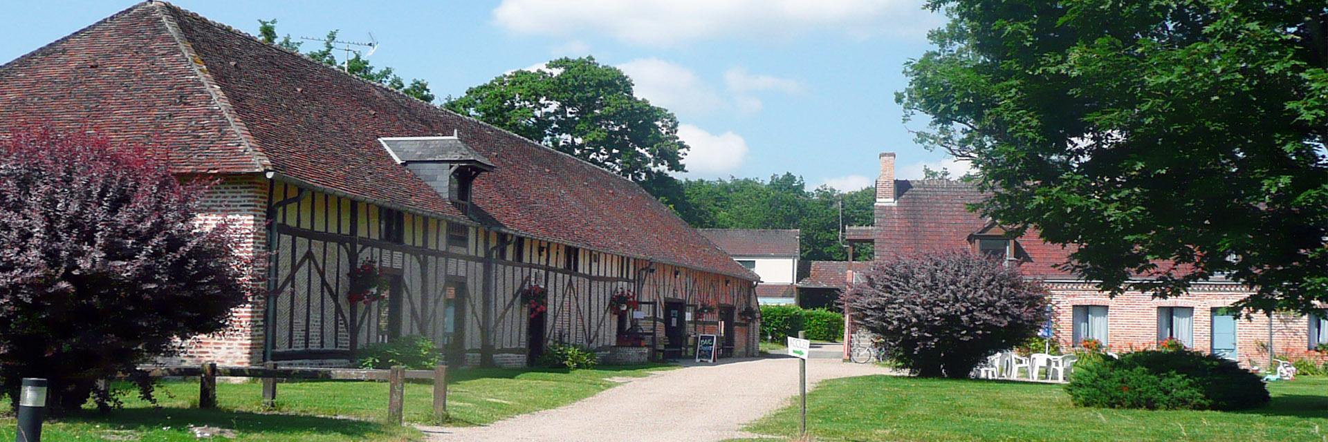 Village_club_vacances_centre-loire-et-bourgogne-la-ferme-de-courcimont-exterier