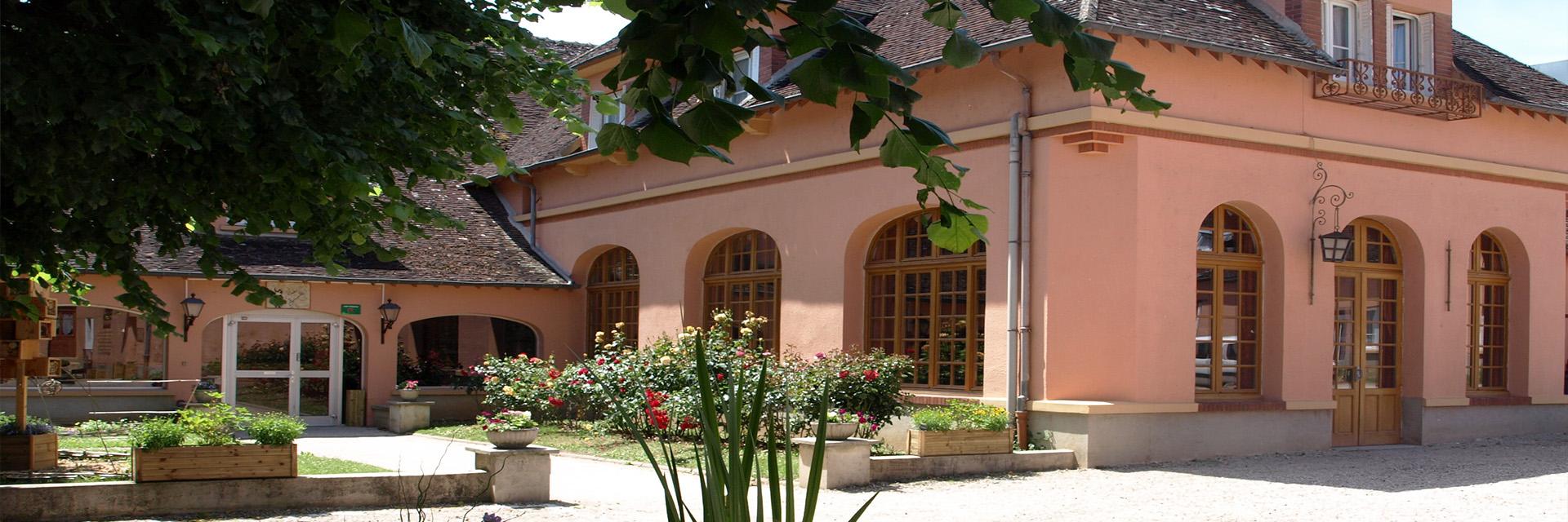 Village_club_vacances_centre-loire-et-bourgogne-la-vallee-de-yonne-entree
