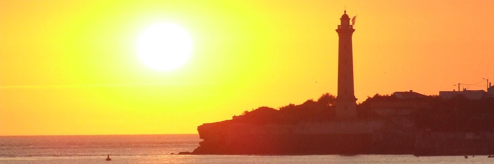 Village_club_vacances_charente-et-landes-les-buissonnets-plage-coucher-soliel