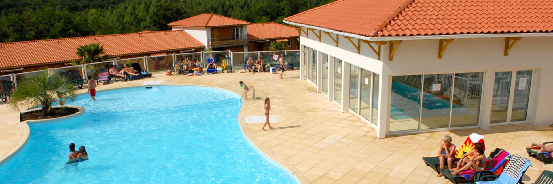 Village_club_vacances_charente-et-landes-les-hameaux-de-la-chalosse-piscine