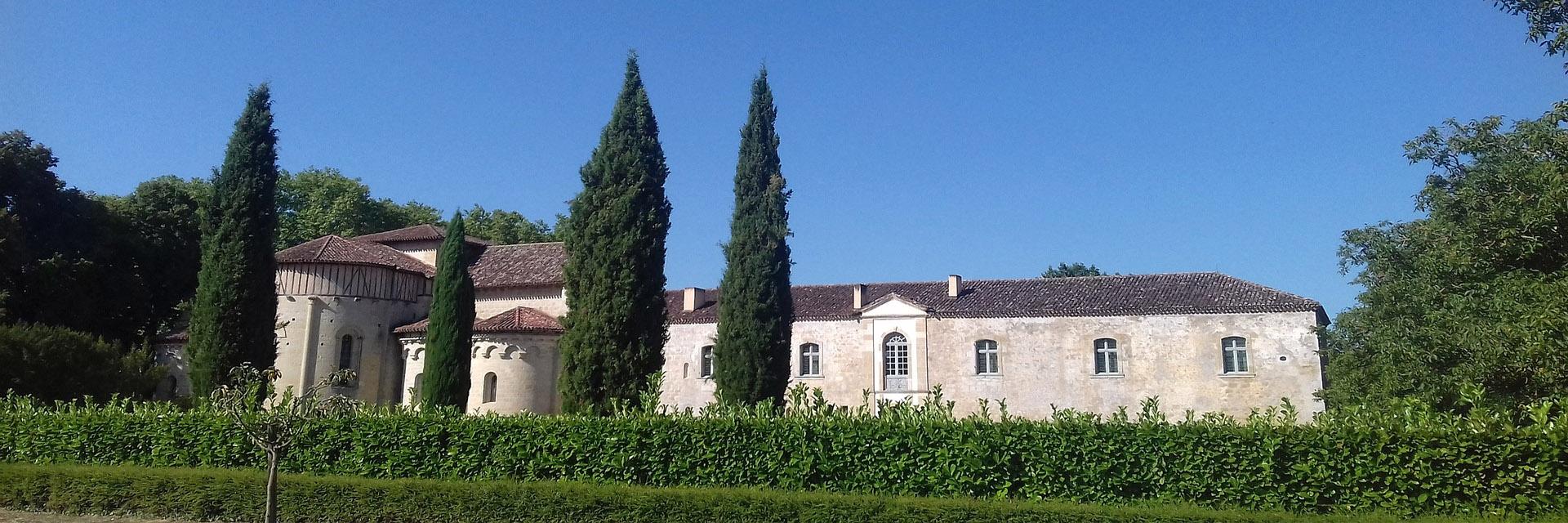 Village_club_vacances_gers-et-aquitaine-le-hameau-des-etoiles-abbaye-de-Flaran