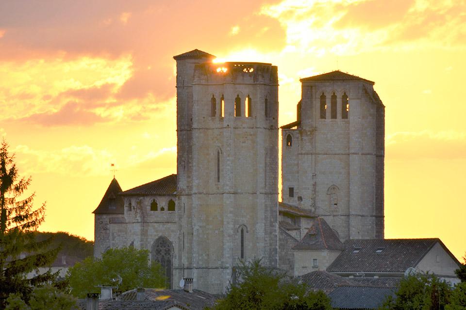 Village_club_vacances_gers-et-aquitaine-le-hameau-des-etoiles-collegiale-de-la-romieu