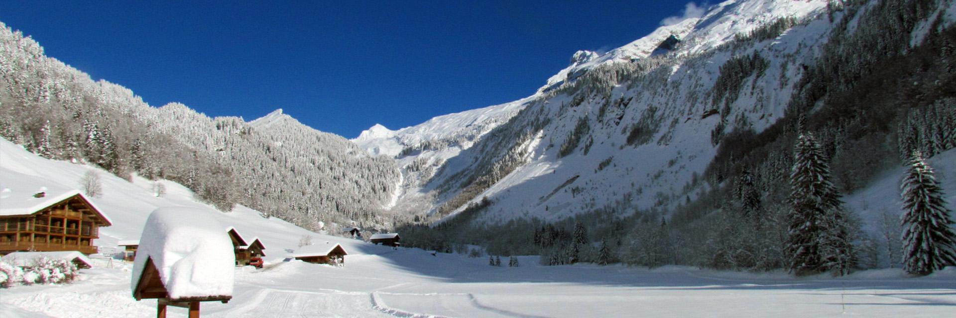 Village_club_vacances_haute-savoie_Auberge-Nordique-hiver-montagne-neige