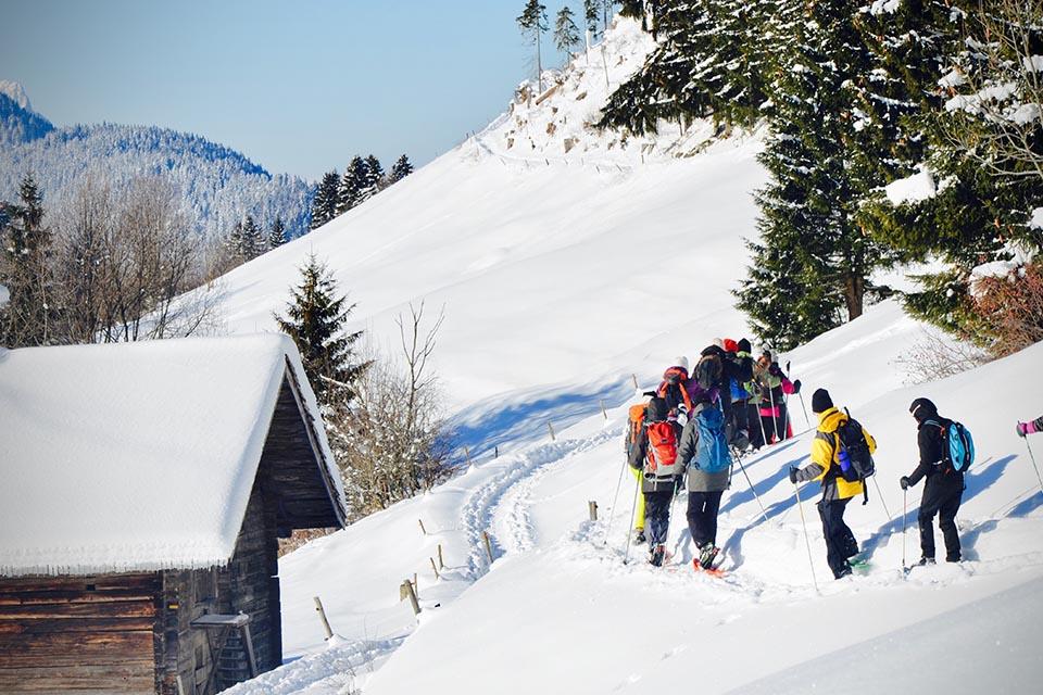 Village_club_vacances_haute-savoie_Auberge-Nordique-rando-raquette-neige