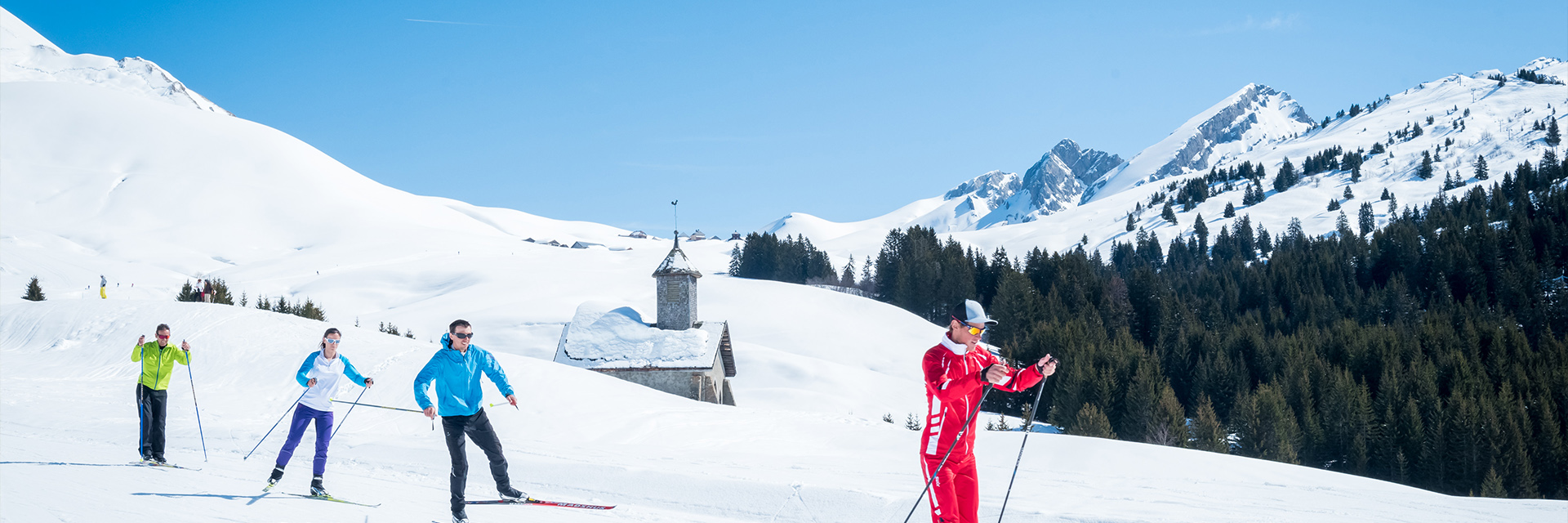 Village_club_vacances_haute-savoie_Auberge-Nordique-ski-hiver