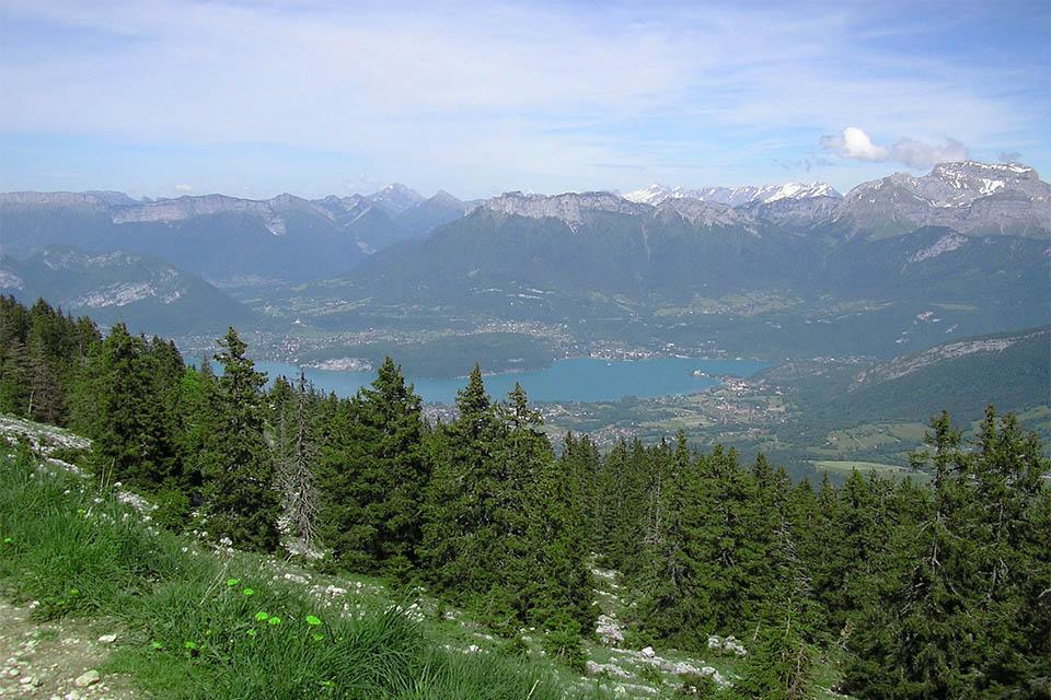Village_club_vacances_haute-savoie_balcons-du-lac-d-annecy-lac-Annecy-montagne-ete-Semnoz-incontournable