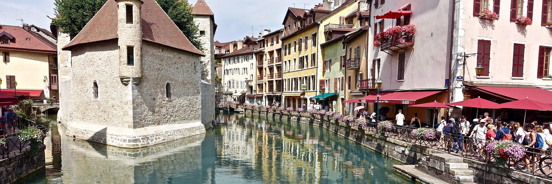 Village_club_vacances_haute-savoie_balcons-du-lac-d-annecy-ville-Annecy