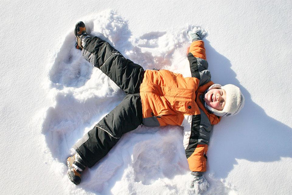 Village_club_vacances_haute-savoie_leman-enfan-neige