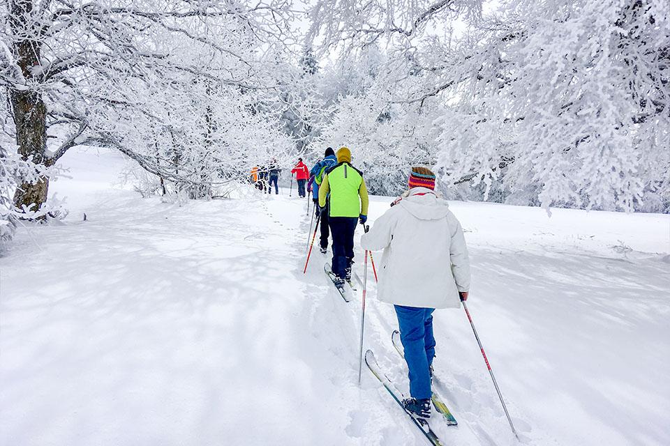 Village_club_vacances_jura-chalet-de-la-haute-joux-hiver-rando-ski