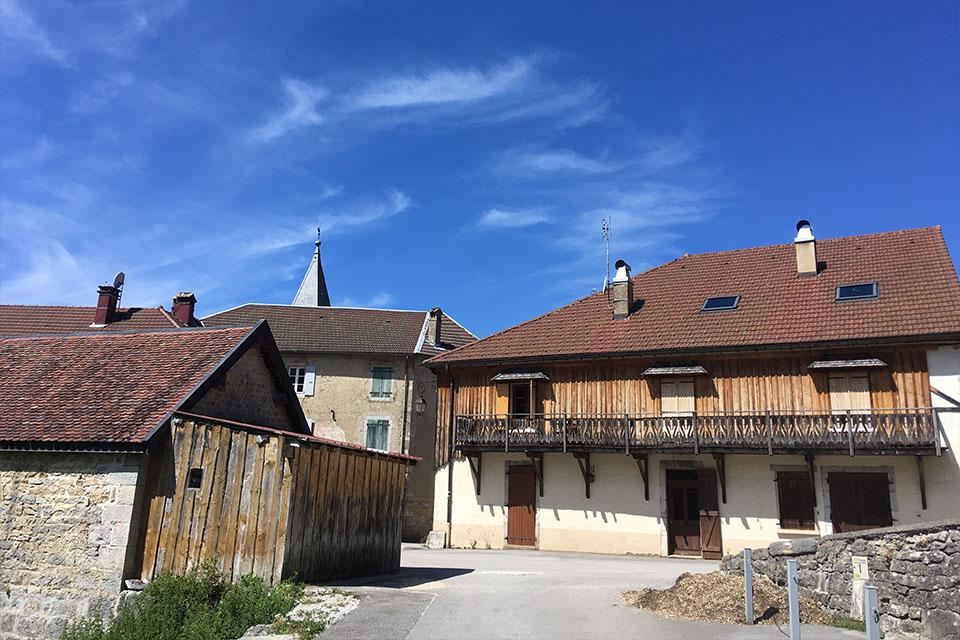 Village_club_vacances_jura-chalet-de-la-haute-joux-langouette