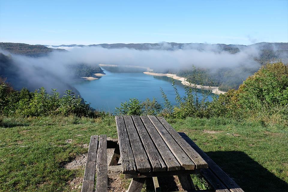 Village_club_vacances_jura-lchalets-du-lac-de-vouglans-nature