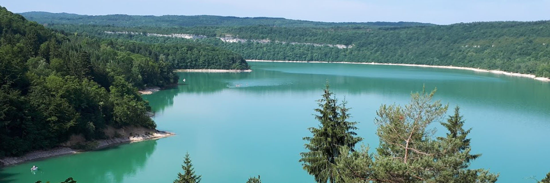 Randonnées pédestres entre lacs et montagnes - Les Chalets du Lac de Vouglans
