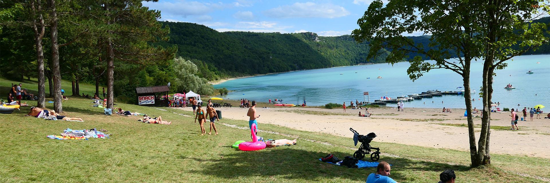 Terroir et patrimoine jurassiens - Les Chalets du Lac de Vouglans