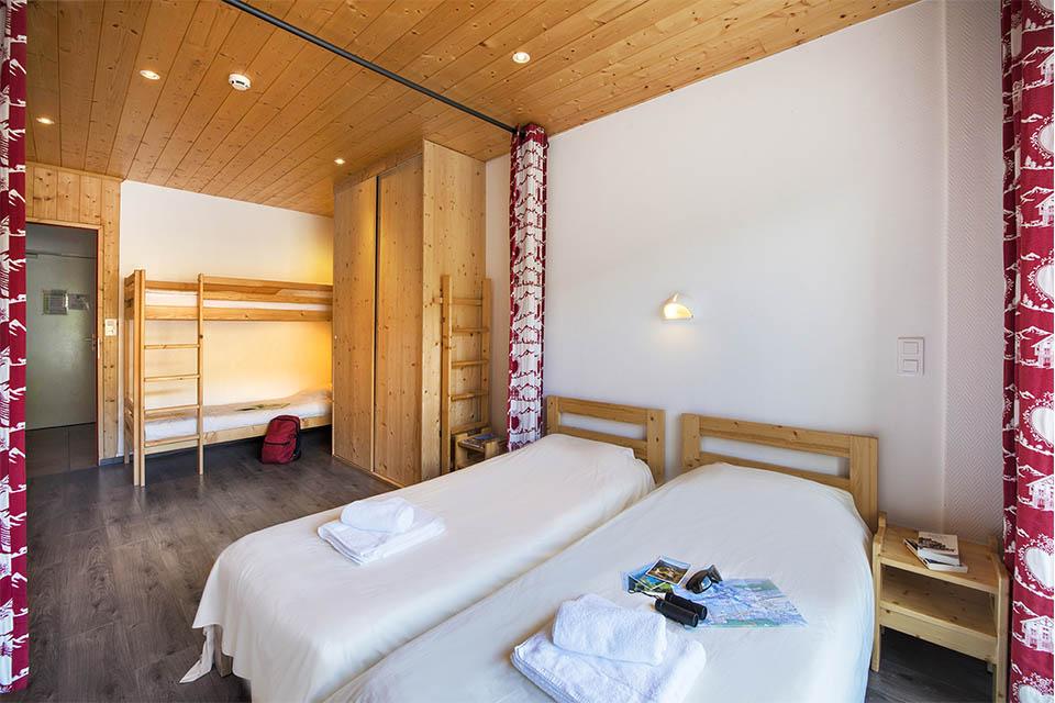 Village_club_vacances_jure-neige-et-plein-air-chambre-pour-deux-personnes