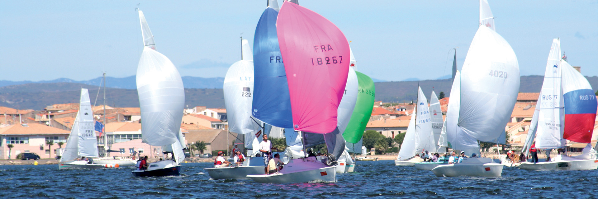 Village_club_vacances_mediterranee-sud-est-village-club-thalasse-canot-bateau