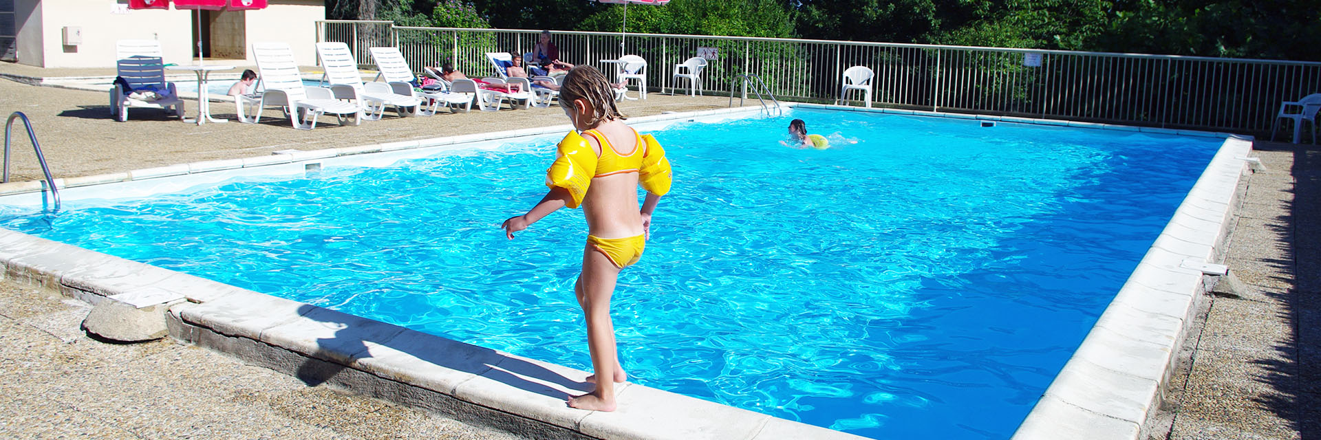 Village_club_vacances_périgord-quercy-la-gironie-piscine