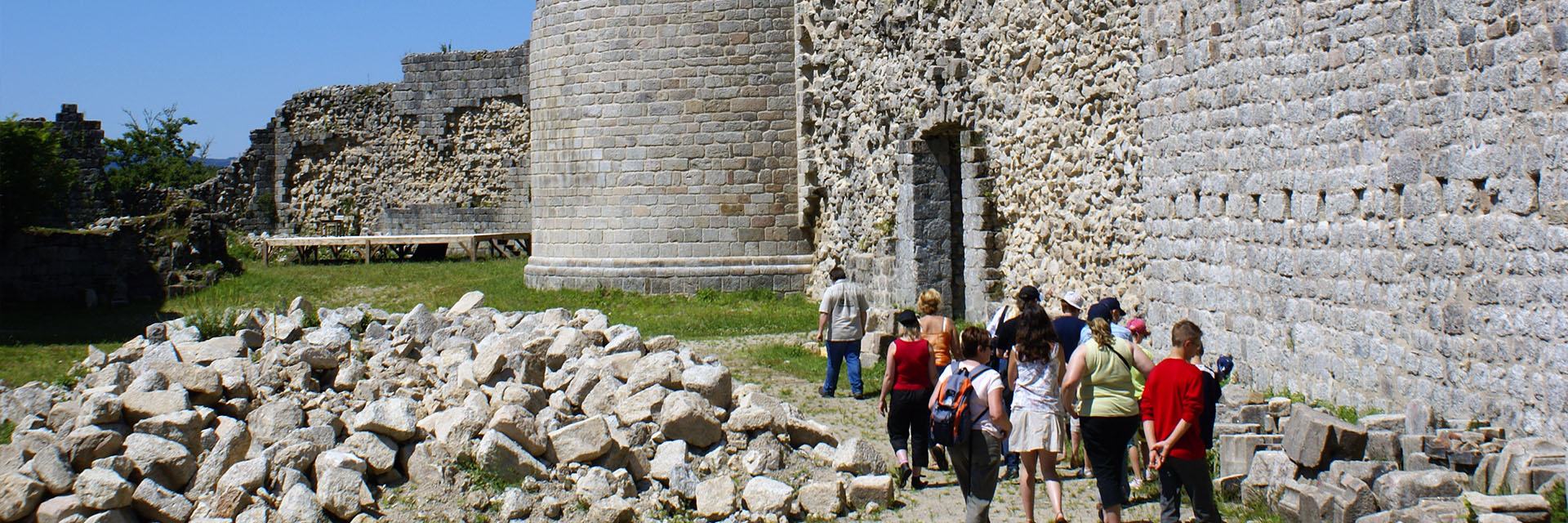 Village_club_vacances_périgord-quercy-le-lac-rando-chateau-de-ventadour