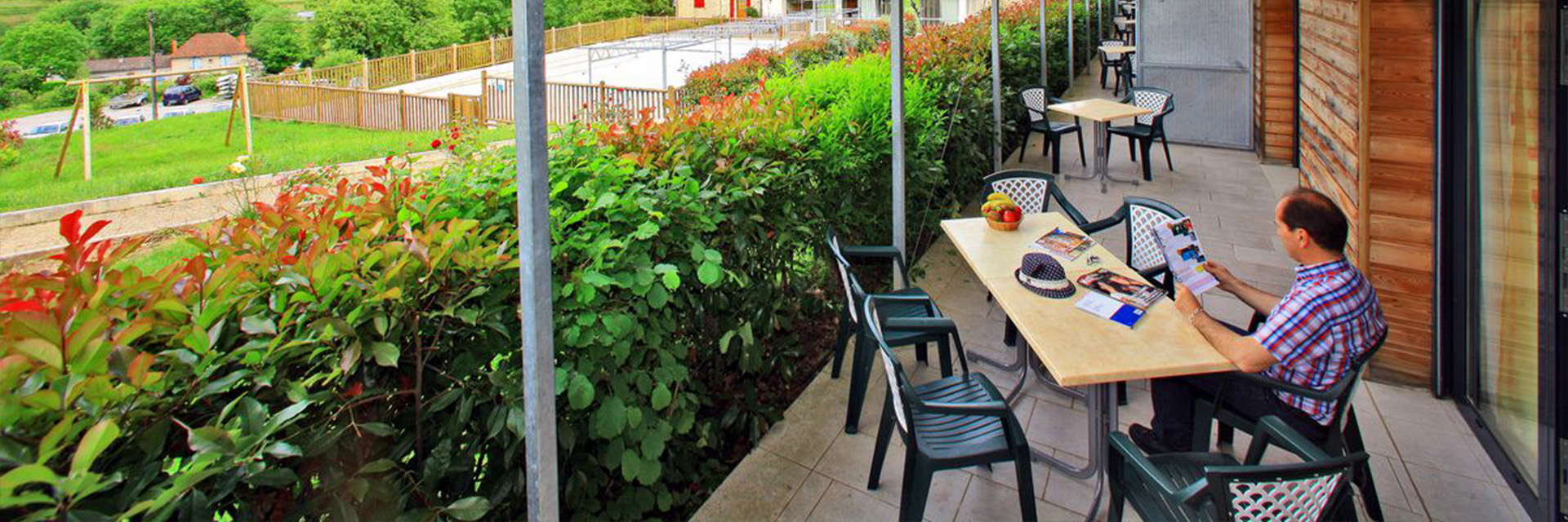 Village_club_vacances_périgord-quercy-terrou-terrasse