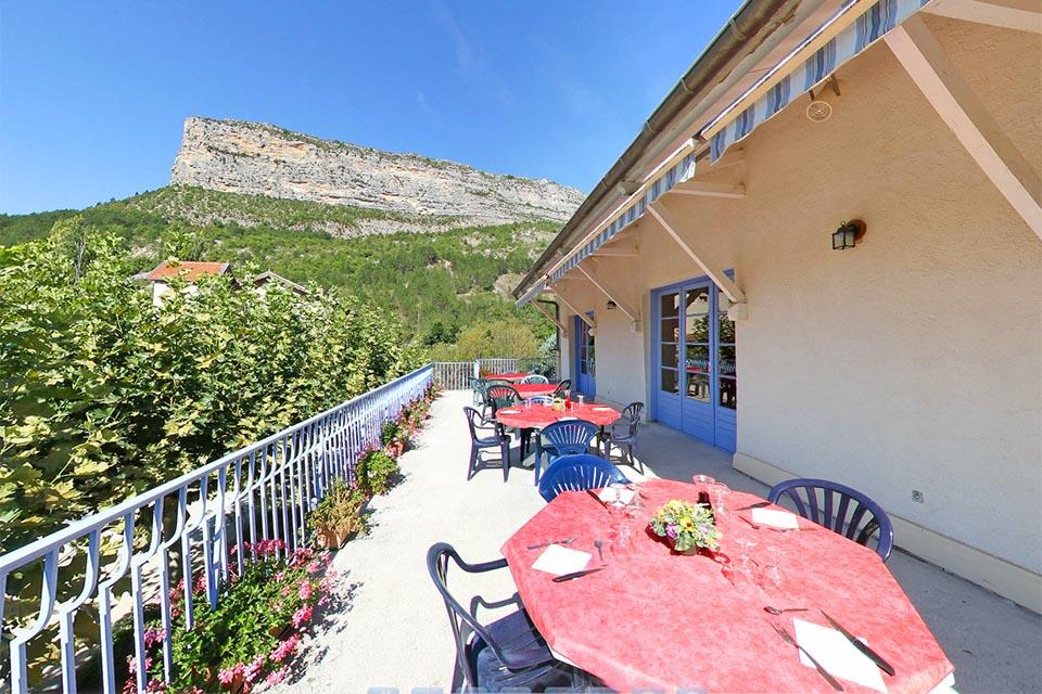 Village_club_vacances_provence-lavandes-terrasse