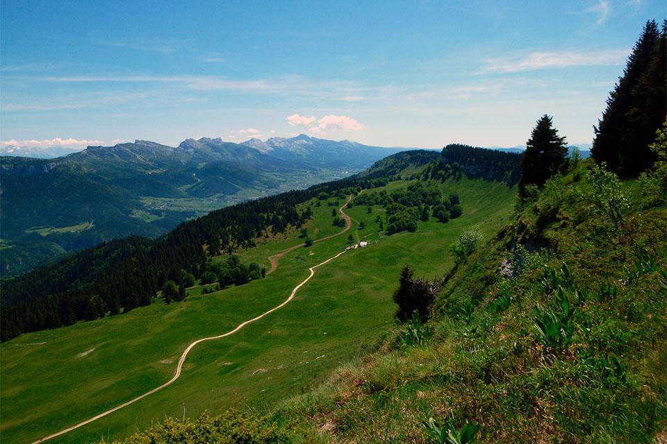 Village_club_vacances_provence_L'Escandille-montagne-nature
