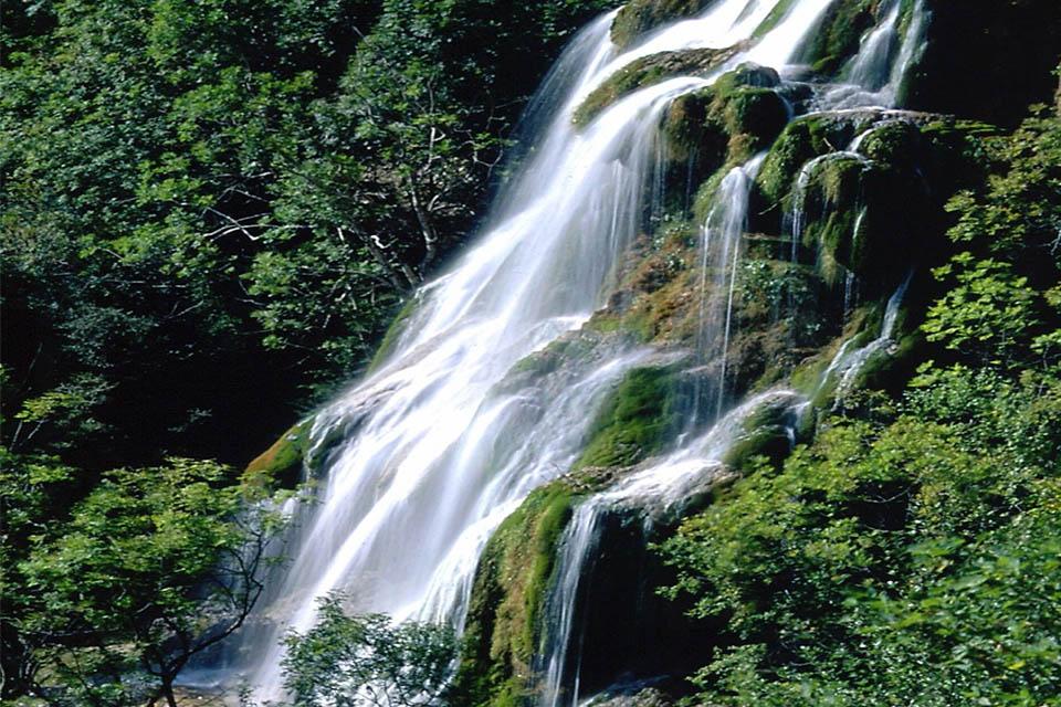 Village_club_vacances_provence_L'Escandille-nature-cascade