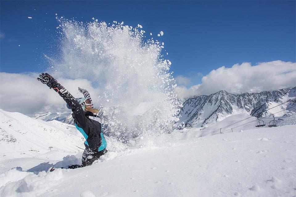Village_club_vacances_pyrenees_domaine-de-pyrene-neige-montagne