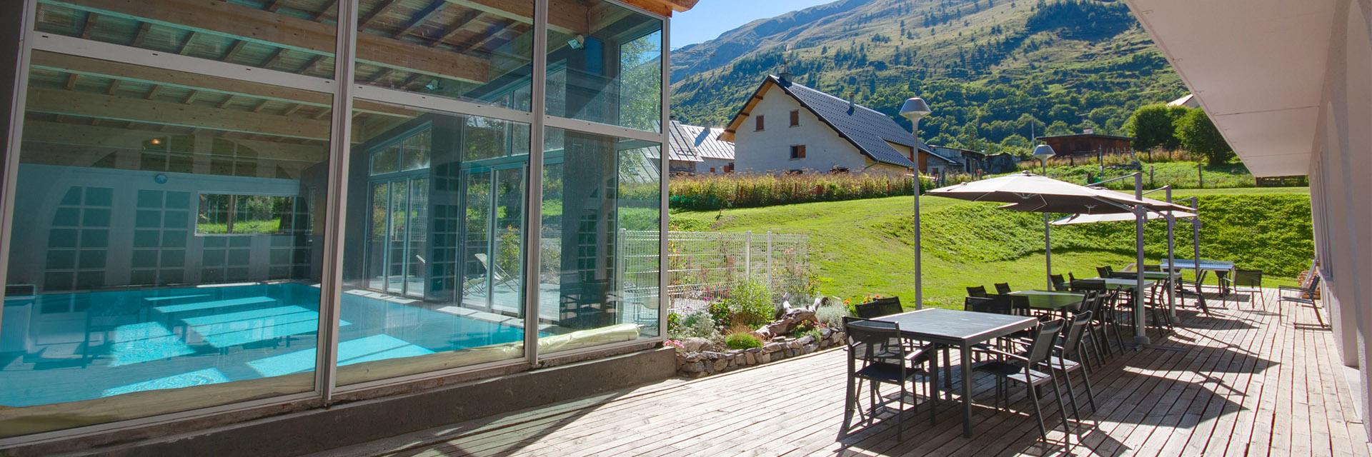 Village_club_vacances_savoi-vanoise-la-pulka-piscine
