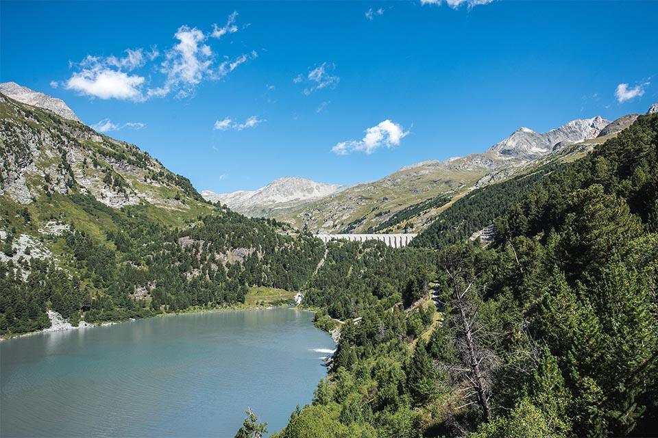 Village_club_vacances_savoie-vanoise-fleurs-et-neige-la-point-de-observatoire-incontournable-montagne-mont-blanc