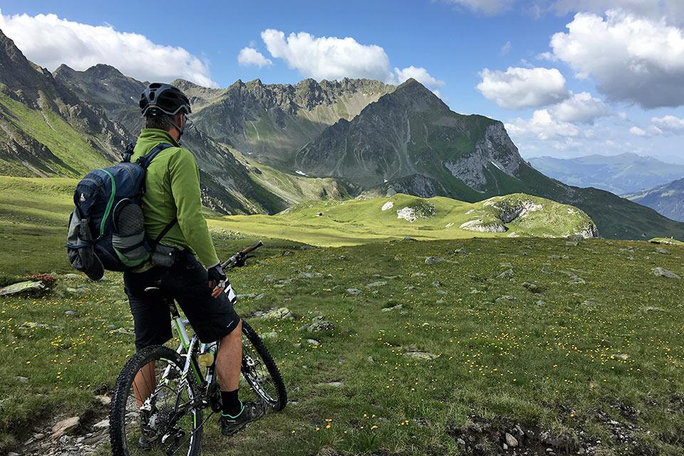 Idée Rando : Randonnée raquette et Alpes côté soleil