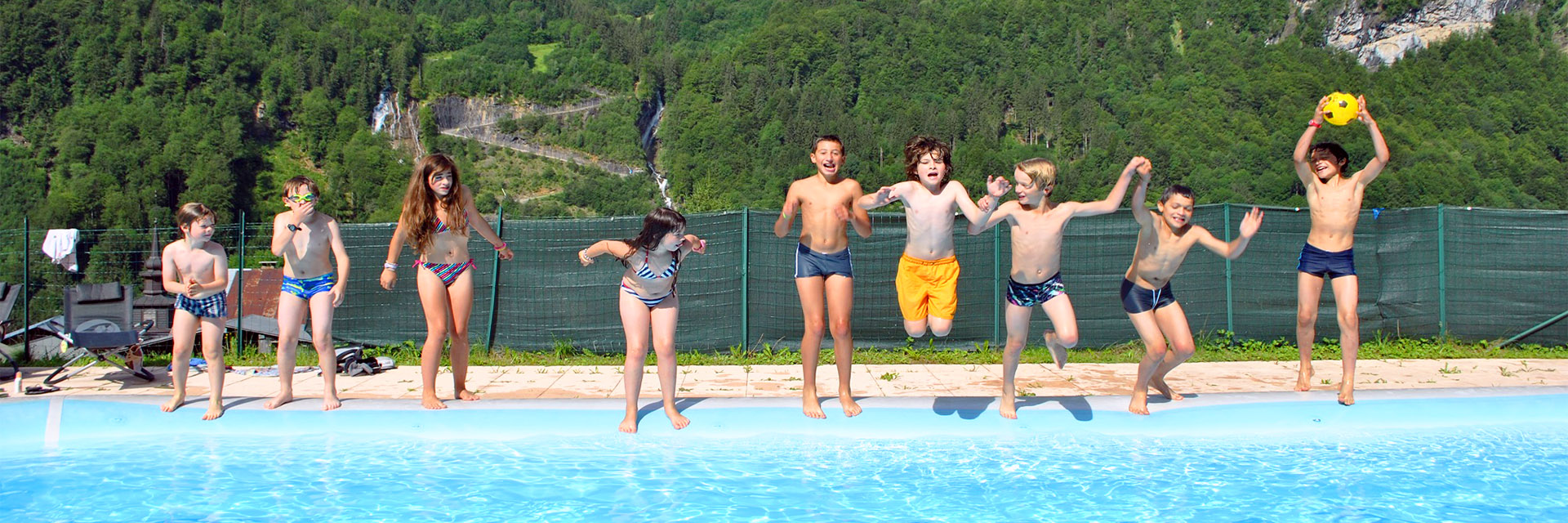 village-club-cap-france-haute-savoie-mont-blanc-le-salvagny-piscine-classe