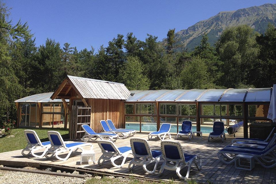 village-vacance-domaine-de-l-adoux-piscine