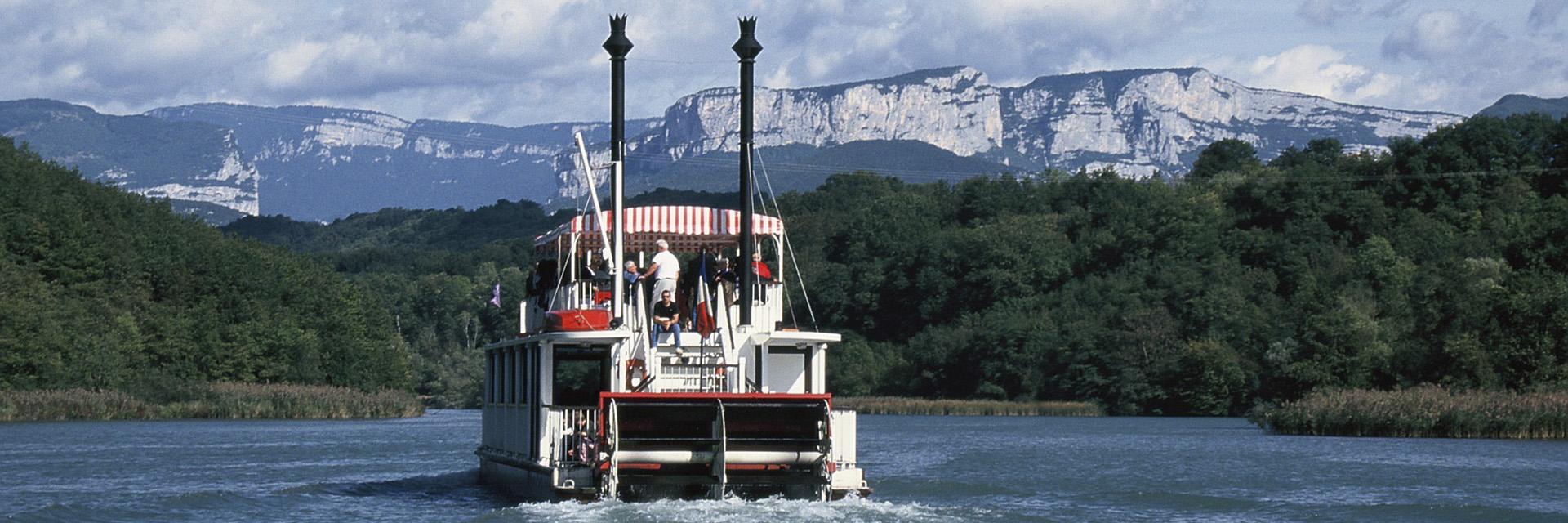 village-vacance-font-d-urle-bateau-roue