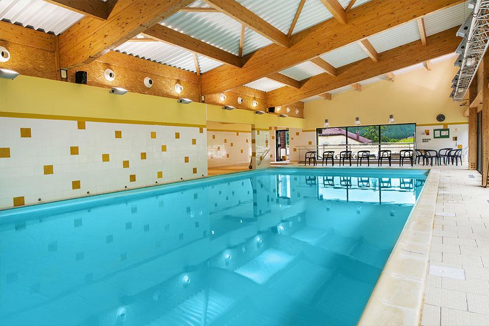 village-vacance-neige-et-plein-air-piscine