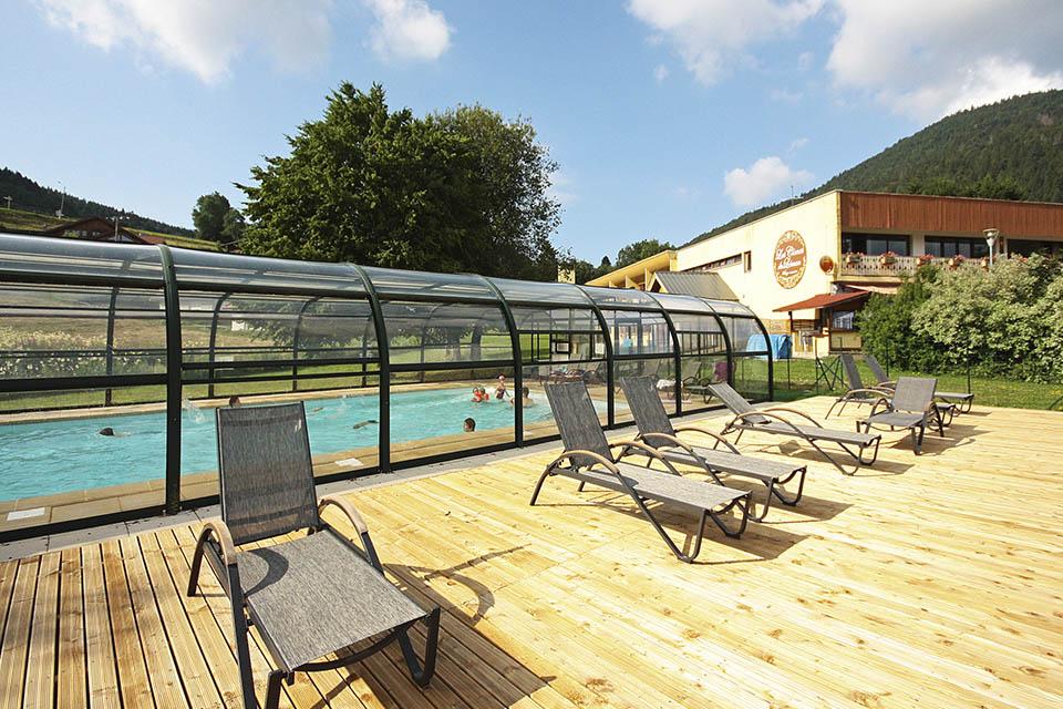 village-vacances-les-comes-du-leman-piscine