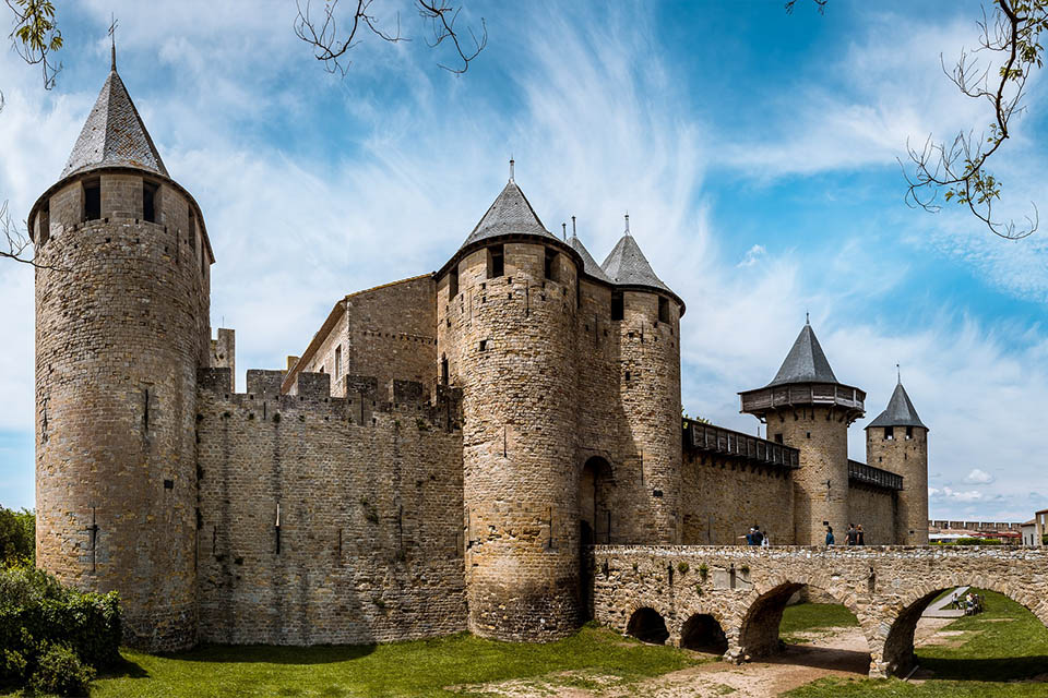 village-vacances-tarbesou-carcassonne-chateau
